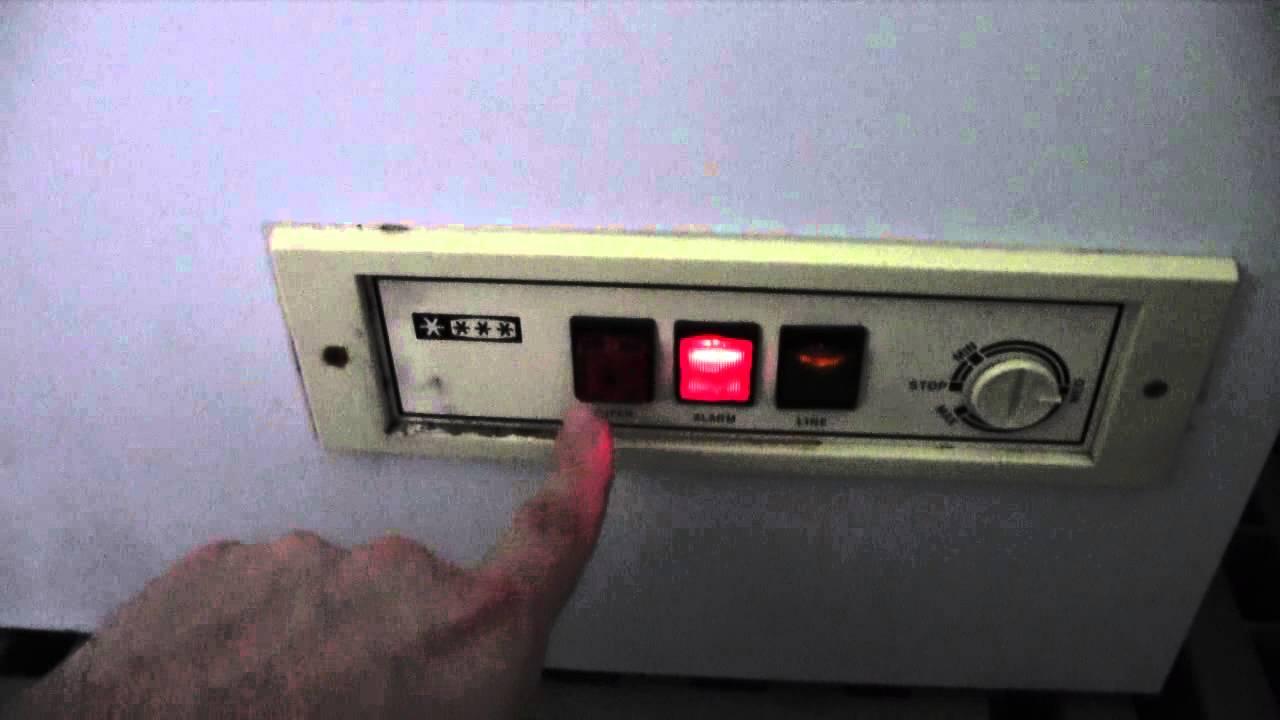 Spie congelatore ocean colonna porta lavatrice for Congelatore a pozzetto piccolo