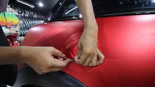 Progres pengerjaan wrapping Mini Cooper dengan Teckwrap VCH401N Crimson Red Satin Chrome.