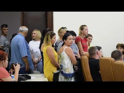 Жалобы на директора школы №1 имени Олега Ольжича