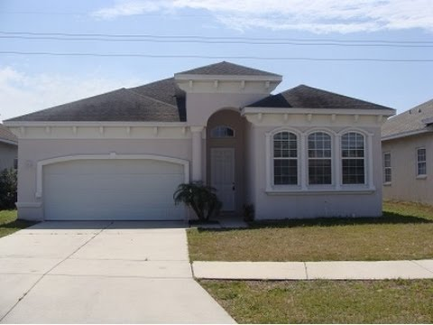 Gibsonton: 1911 sq. ft. 3/2 Home at 11331 Southwind Lake Dr.