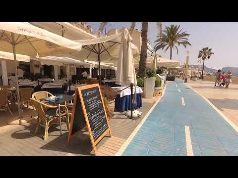 Altea, caminando en avenida maritima - Altea Spain beach street