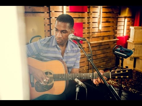 Leon Bridges - Better Man (live)