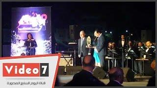 مصر تتسلم شعلة العاصمة الثقافية من تونس