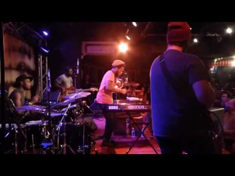 Cory Henry & The Funk Apostles - 33 Minutes Of Madness (New Morning - Paris - October 19th 2016)