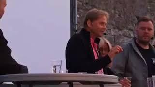 Anders blir utskrattad när han påpekar att Aftonbladet inte är väns...