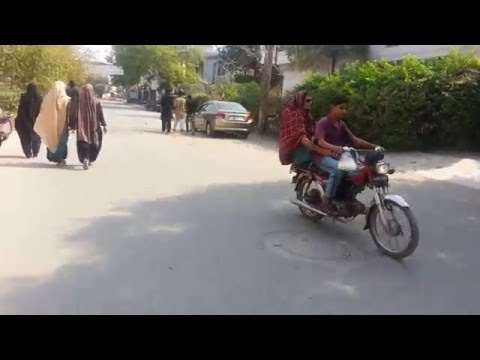 Life in Pakistan - Walking in Residential Area in Allama Iqbal Town, Lahore - 24 October 2015