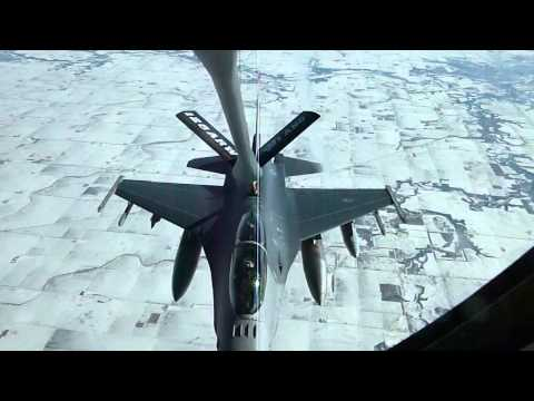 Wisconsin Air National Guard Milwaukee 62-3500 Refueling Madison F-16D