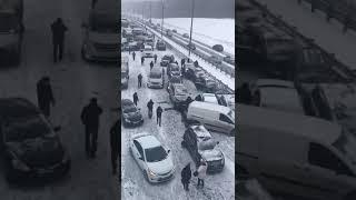 Смотреть видео ДТП на Симферопольском шоссе. Более 60 машин. онлайн