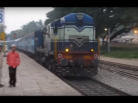 Mangalore-Bangalore Express at Ramanagaram!