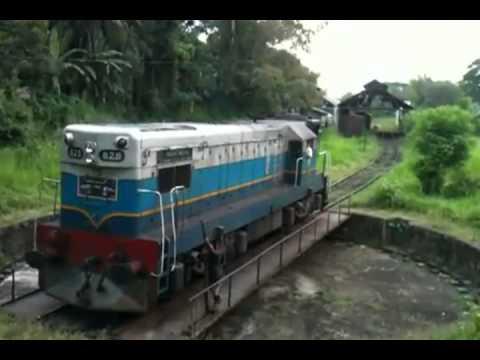 Incredible Way to Turn Around a Train