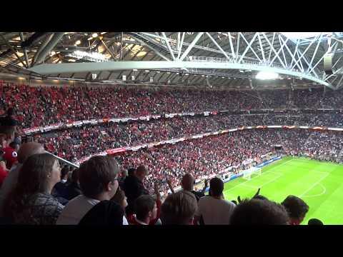 2017 UEFA Europa League Final: Pre-match atmosphere - Take me home United Road