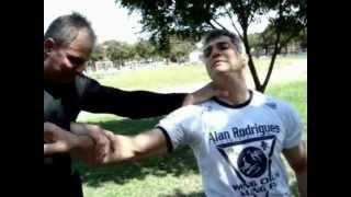 Defesa Pessoal Kung Fu Wing Chun 功夫詠春 Aulas Particulares/Tel (21)7776-7732