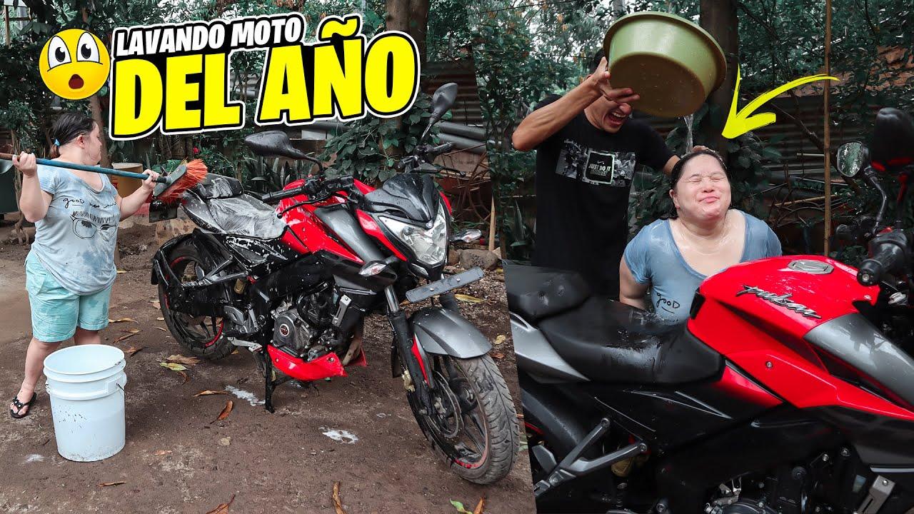 RICO CHAPUZÓN BAJO LA LLUVIA *LAVANDO MOTO DEL AÑO* ft CHOL y Atilio
