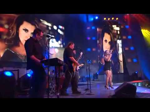 Mickie James 2012 Singing 12/2/10 Mickie James s...