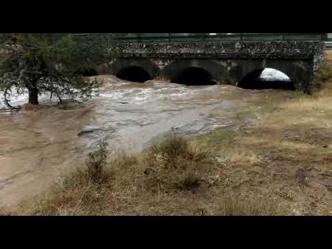 El río Lobos ruge con fuerza...