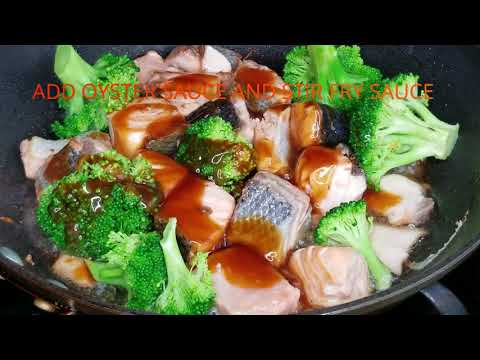 HOW TO MAKE SALMON BROCCOLI WITH WHITE RICE