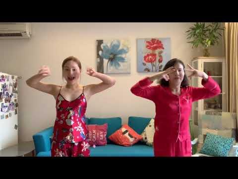 Lan Phương và mẹ cover 'Vũ điệu rửa tay' của Quang Đăng cực đáng yêu