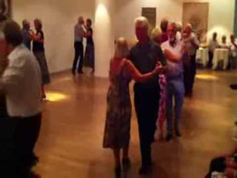 how to dance a waltz video