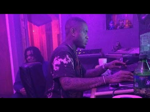 multi platinum producer southside of 808 mafia making a beat live on