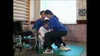 Техника перемещения инвалидов(Описание и наглядная демонстрация способов пересаживания спинальных больных. Погрузка и выгрузка на желез..., 2014-09-30T08:04:37.000Z)