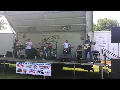 Standing Hampton Band