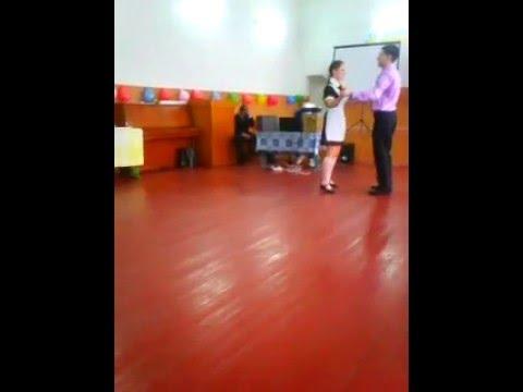 шикарный танецвальс на выпускной или празник1