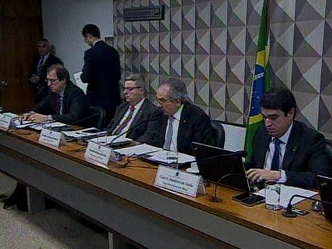 Comissão do Impeachment ouve testemunhas indicadas pela defesa de Dilma