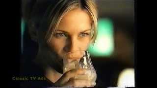 Baileys Irish Cream commercial has HOT girl kissing 3 guys