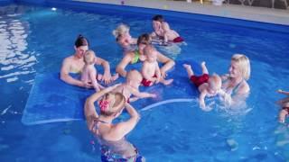 видео Подгузники для плавания в басейне