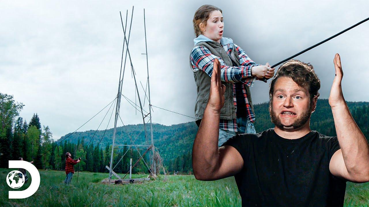 Trabalho em equipe para desmontar moinho de vento | A grande família do Alasca | Discovery Brasil