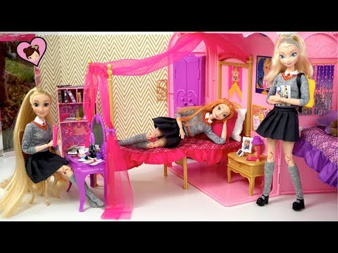 Barbie Elsa & Anna  School Morning Routine - Pink Bath & Dorm Room
