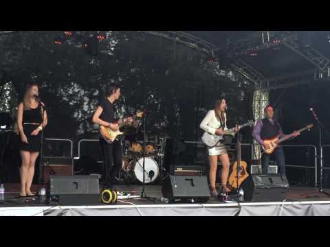 Nikki Loy: Tongue-tied. Live at Music In The Park