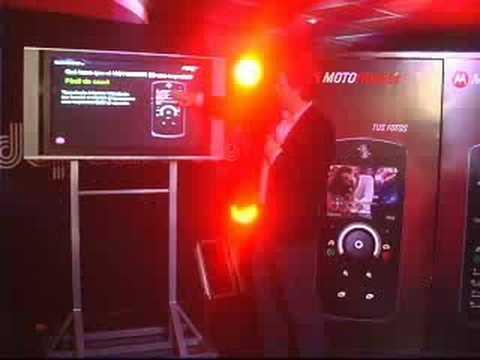 Presentación MOTOROKR E8 Lima - Perú