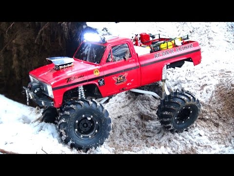 RC ADVENTURES - Do You Even FLEX Bro?! The BEAST - NYE 2015 SPECiAL - Axial SCX10 Trail 4x4 Truck