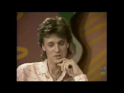 Countdown (Australia)- Molly Meldrum Interviews David Knopfler- December 1, 1985