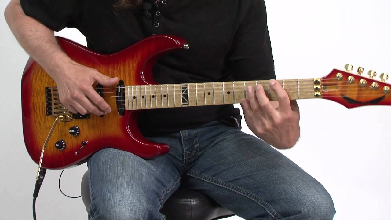 "Lick Of The Day: ""Off The Hook"" Riff By Vinnie Moore"