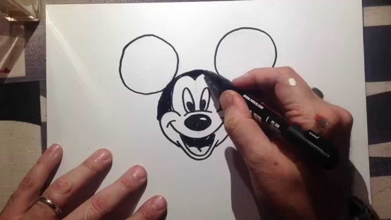 593c062aae40 How to draw mickey mouse - come disegnare topolino - YouTube