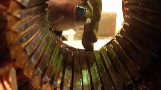 Проверка электродвигателя на витковое замыкание(Проверка электродвигателя на витковое замыкание с помощью народных средств. Перо, или лезвие бритвы, даст..., 2012-02-21T13:33:02.000Z)