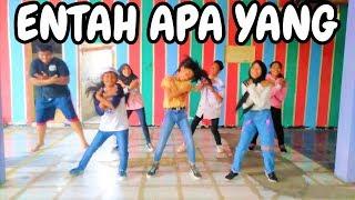 Download lagu SENAM - ENTAH APA YANG MERASUKIMU   COJB DANCE SALAH APA AKU ILIR7