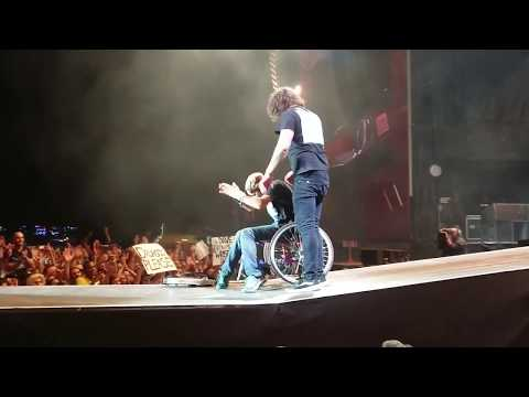 Derek Moore - The Crowd Surfing Man In A Wheelchair Joins Foo Fighters On Stage