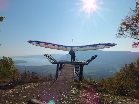 Lancio Deltaplano Lago Di Vico