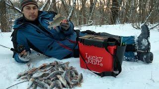 Мормышка ЖУК сделала рыбалку! Крупная Плотва на безмотылку.