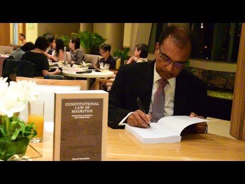 Milan Meetarbhan commente la Constitution et les jugements qui ont fait jurisprudence