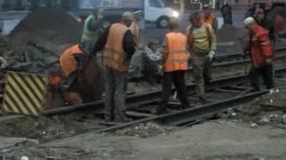 Ремонт трамвайки Аж искры летят Днепродзержинск 23.04.16