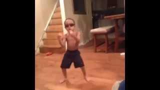 Танцующий ребенок(Это видео создано с помощью видеоредактора YouTube (http://www.youtube.com/editor), 2014-07-09T10:35:15.000Z)