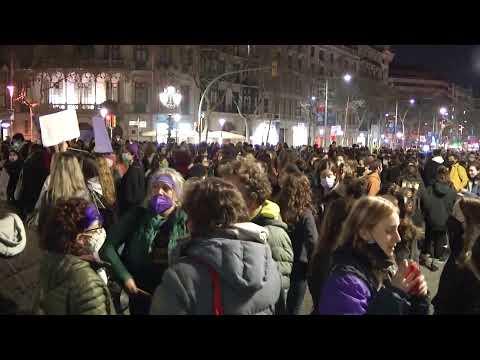 LIVE: Demonstrators gather to mark International Women's Day in Barcelona