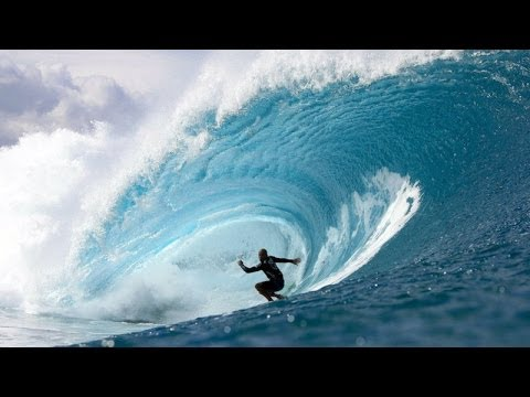 Kelly Slater Hits His Best Pipe Of The Volcom Pipe Pro