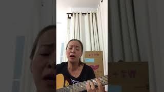 ĐÊM TIỀN ĐỒN:giọng hát ấm nồng truyền cảm kết hợp với tiếng guitar bập bùng rất hay