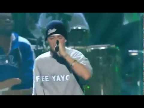 Eminem ft Big Proof - Lose Yourself  (Live on Grammy Awards 2003)  Epic Live