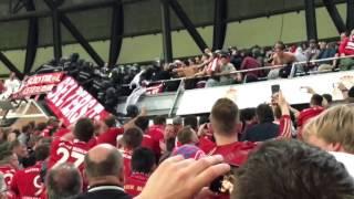 Maßlose Polizeigewalt in der Halbzeitpause des CL-Spiels Real Madrid gegen FC Bayern